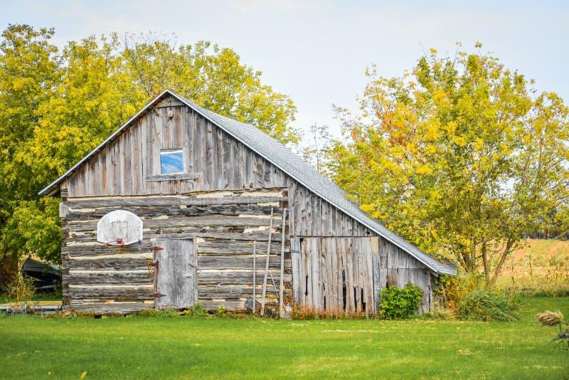 Wooden Barn, Condado de Southern Door foto de stock