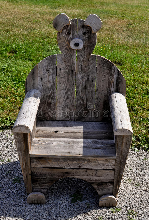Free Wooden Bear Chair Stock Photo - 16200260