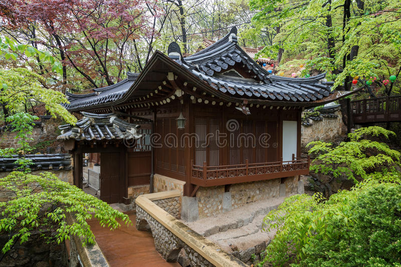 Wooden building at the Gilsangsa Temple in Seoul stock photography