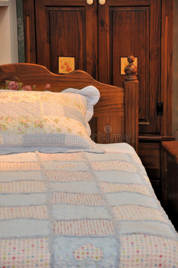 Download Wooden Furniture And Bed Royalty Free Stock Photos - Image: 19684278