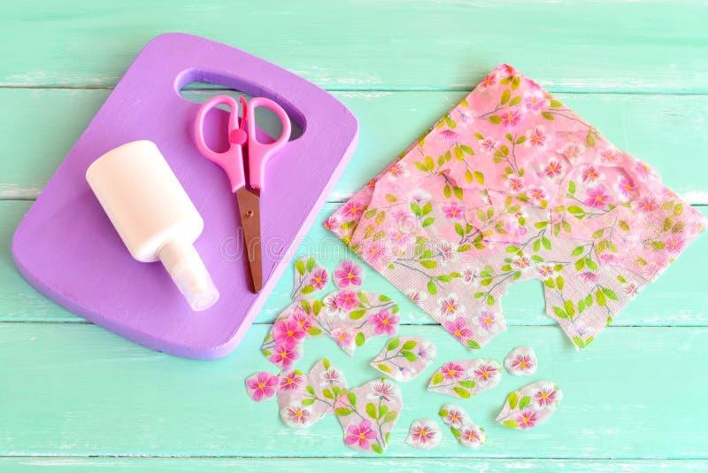 Wooden handmade chopping board kitchen decor paper napkin for Handmade kitchen decoration