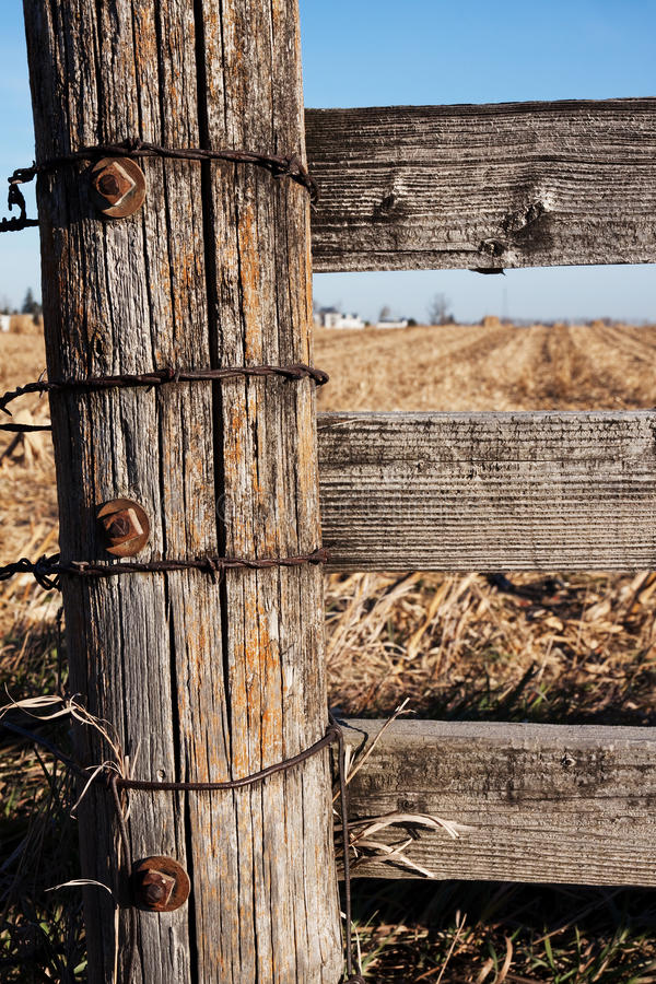 Free Wooden Post On Farm Royalty Free Stock Image - 17156636