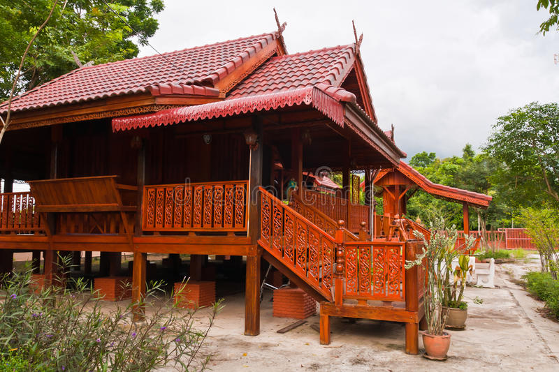 Wooden thai style house stock photo image of beauty for Minimalist house thailand