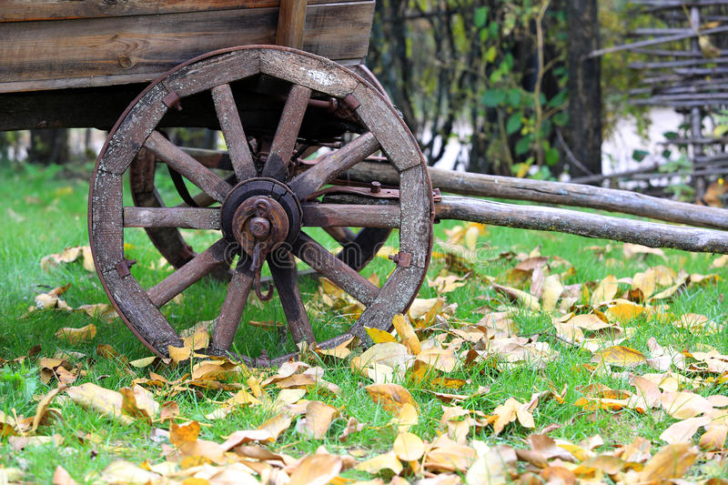 Download Wooden Whell Of Vonage Carriage Stock Photo - Image: 34432582