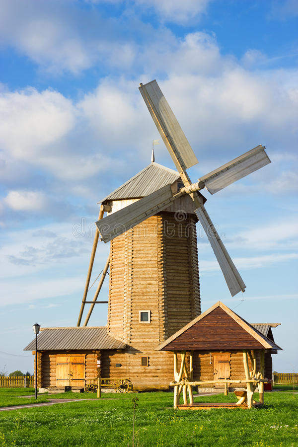 Free Wooden Windmill Royalty Free Stock Photography - 38783587
