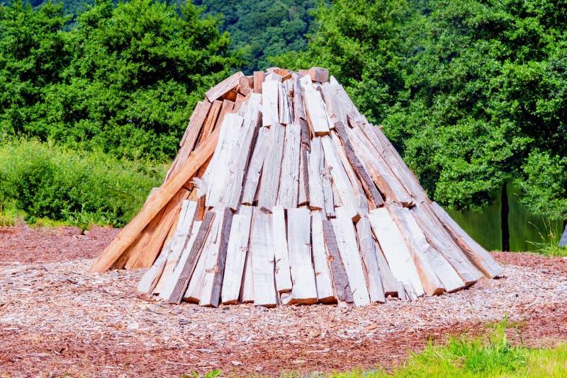 Woodlogs impilato conico fotografia stock