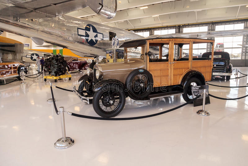 Woody Ford Model 1929 una furgoneta fotos de archivo libres de regalías
