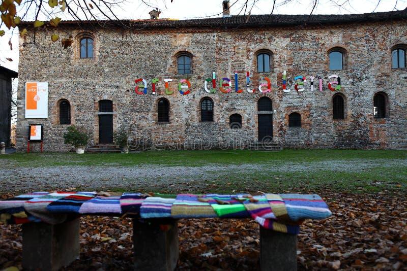 Woolen sztuka 2017 Corneliano Bertario, Włochy - obraz stock