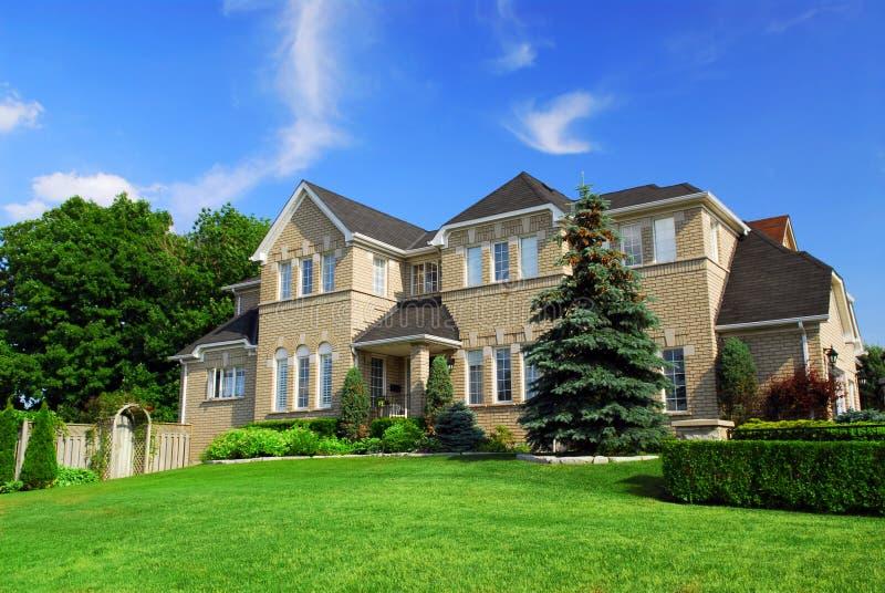 Woon huis stock afbeelding