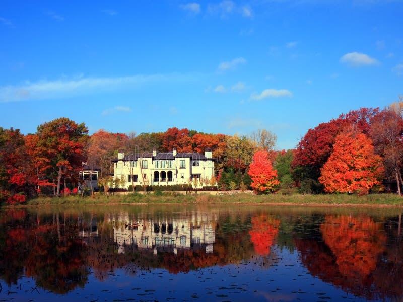 Woon huis royalty-vrije stock afbeelding