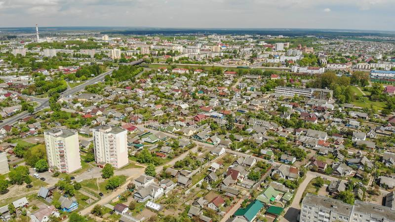 Woonbuurt Sloboda Stad Lida wit-rusland Mei 2019 Lucht Mening stock afbeeldingen