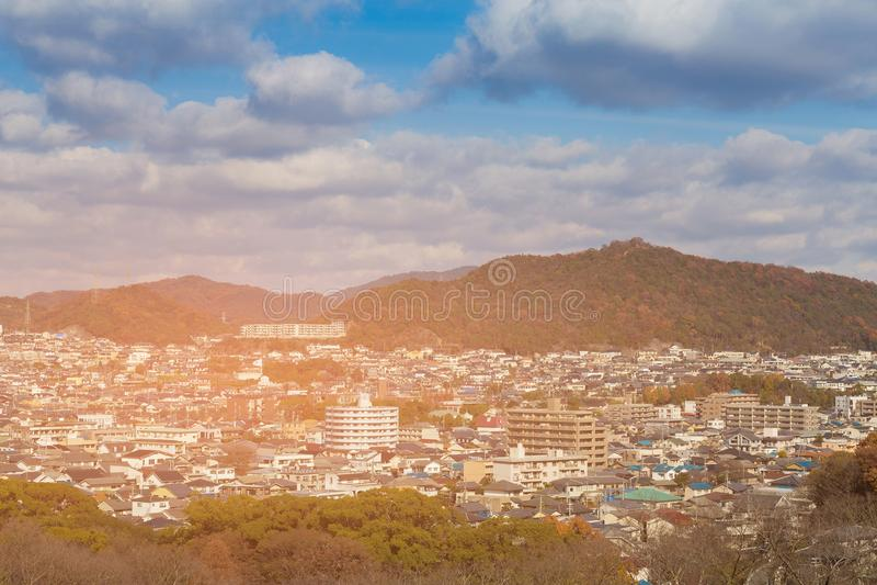 Woonplaatsstad de stad in in berg royalty-vrije stock foto's