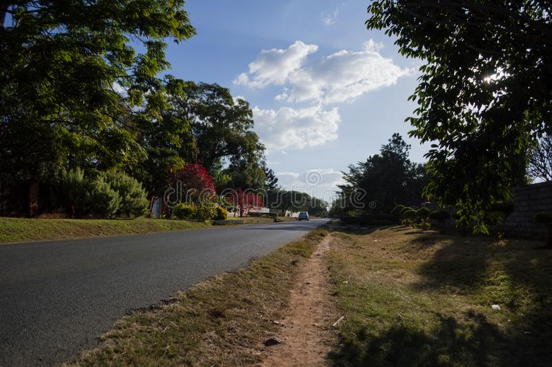 Woonstraat, Kabulonga, Bossen, Lusaka, Zambia stock afbeelding