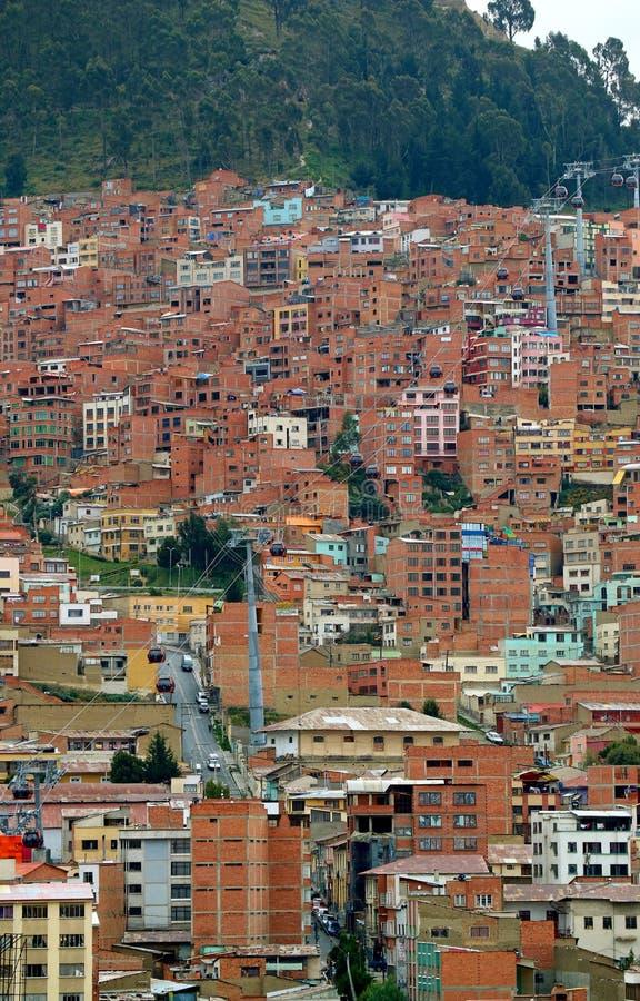 Woonwijk op de helling van La van de binnenstad Paz, Bolivië stock foto's