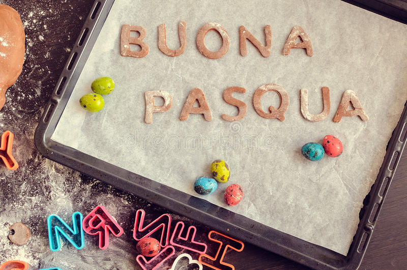 Woorden Buona Pasqua als Gelukkige Pasen in Italiaans stock foto