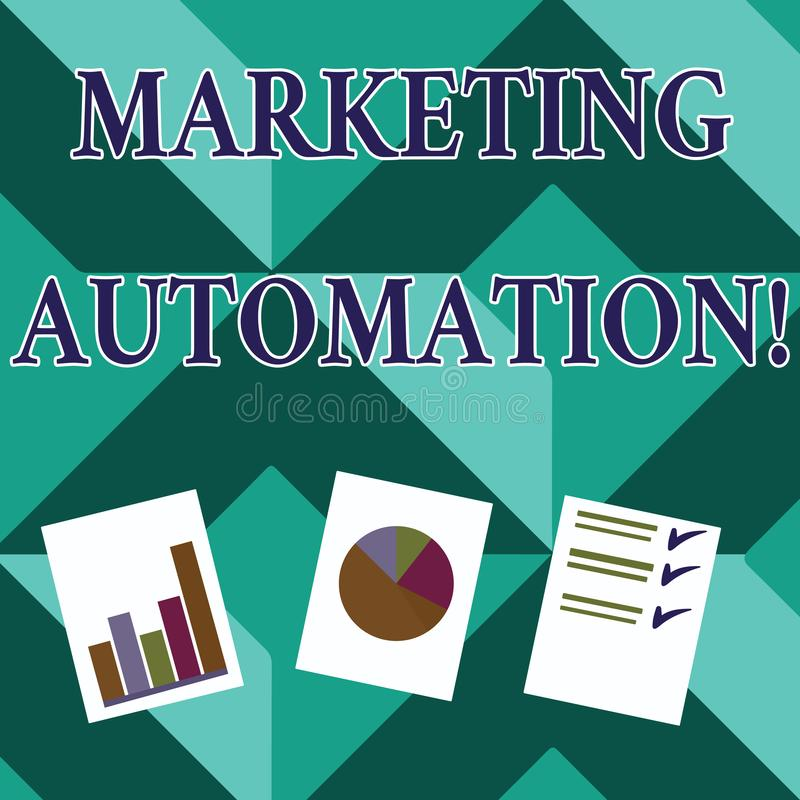 Word écrivant l'automation de commercialisation des textes Concept d'affaires pour le logiciel employé par le client de cible d illustration stock