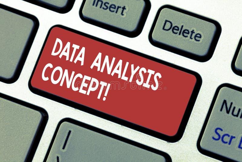 Word écrivant le concept d'analyse de données des textes Concept d'affaires pour des données de évaluation utilisant le raisonnem images libres de droits
