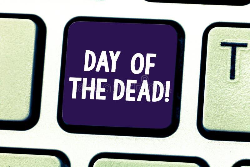 Word écrivant le jour des textes des morts Concept d'affaires pour la célébration mexicaine honorant l'apparence qui ont disparue image libre de droits