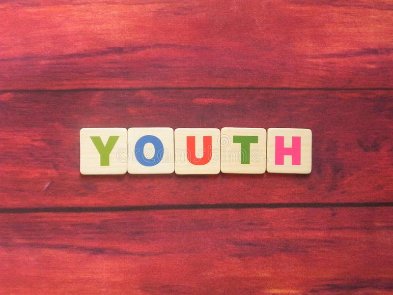 Word Νεολαία για το ξύλο στοκ φωτογραφίες με δικαίωμα ελεύθερης χρήσης