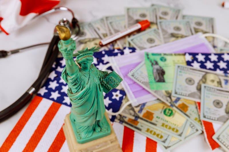 Word COVID-19 о глобальной пандемии локада стимулирующий пакет финансовой помощи правительство стоковые изображения