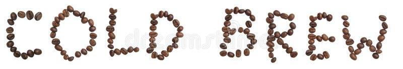 Word d'isolement 'BREW FROID' font à partir du grain de café image libre de droits