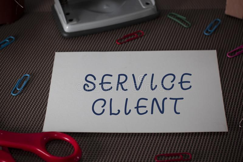 Word de schrijvende Cli?nt van de tekstdienst Bedrijfsconcept voor effici?nt het Behandelen van klantentevredenheid en behoeften royalty-vrije stock foto's