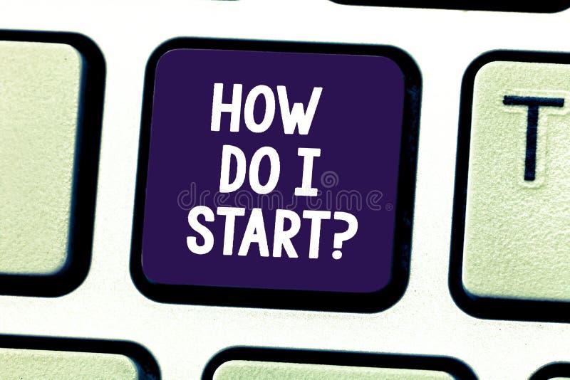 Word het schrijven het Begin van het teksthoe kan ik Bedrijfsconcept voor het Vragen om raad in strategieën om een sleutel van he royalty-vrije stock foto