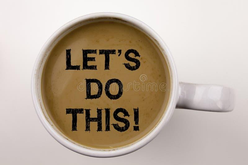 Word, het schrijven Menselijke het Handel drijven tekst in koffie in kop Bedrijfsconcept voor Aanmoediging stelt het Zeggen op wi stock foto's