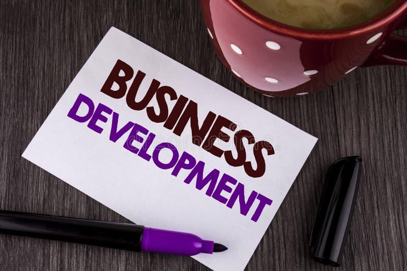 Word het schrijven tekst Bedrijfsontwikkeling Het bedrijfsdieconcept voor Develop en voert de Kansen van de Organisatiegroei op W stock afbeelding
