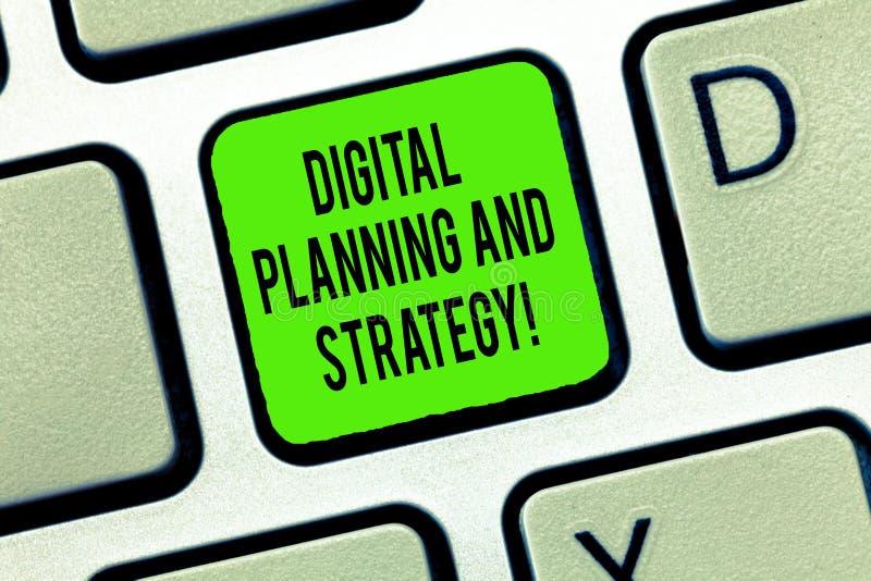 Word het schrijven tekst Digitale Planning en Strategie Bedrijfsconcept voor de Marketing van Analyse Bedrijfsontwikkelingstoetse stock foto's