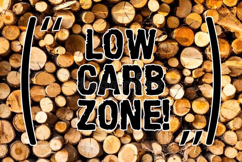Word het schrijven tekst Lage Carburatorstreek Bedrijfsconcept voor Gezonde voeding voor het verliezen van gewicht die meer vrije stock foto