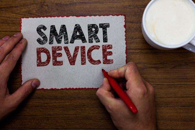 Word het schrijven tekst Slim Apparaat Bedrijfsconcept voor Elektronisch gadget dat bekwaam in wisselwerking sta om aandeel te ve stock foto's
