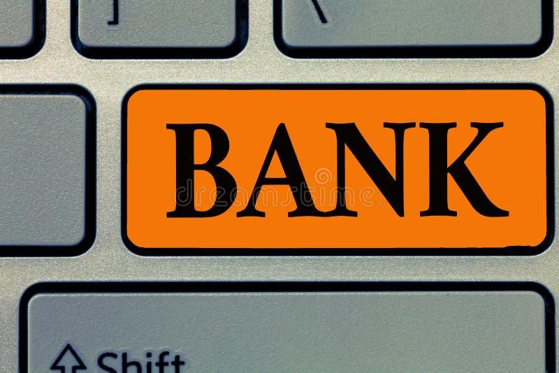 Word het schrijven tekstbank Bedrijfsconcept voor een organisatie waar de mensen en de ondernemingen borrow geld kunnen investere stock foto
