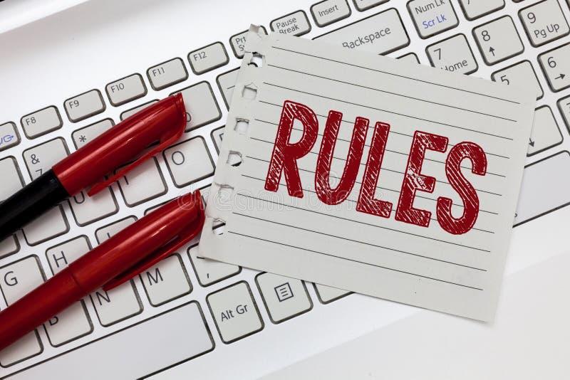 Word het schrijven tekstregels Bedrijfsconcept voor gezag van de oefenings het uiteindelijke macht over gebied en zijn mensenvero stock fotografie
