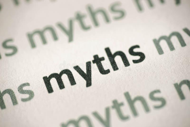 Word mythen op document macro worden gedrukt die stock afbeeldingen
