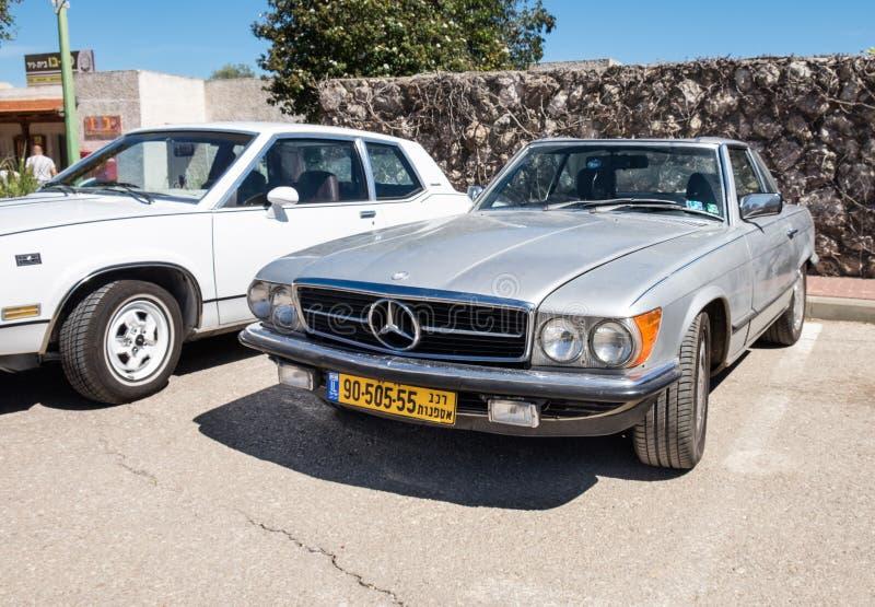 Wordt voorgesteld toont de uitstekende die auto van Mercedes-Benz op oldtimerauto, Israël royalty-vrije stock afbeelding