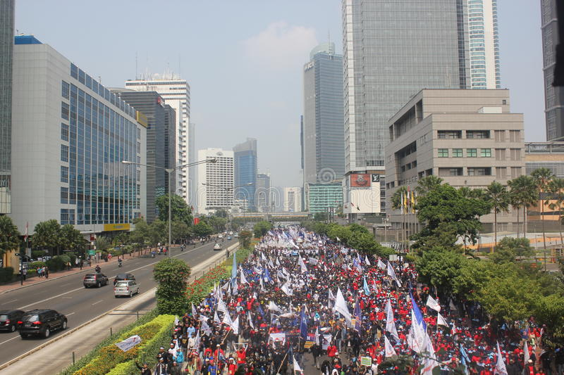 Download Workers Held Demonstration In Jakarta Editorial Photo - Image: 25892326
