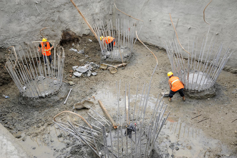 Download Workers  On The Reinforced Concrete Pile Caps Editorial Image - Image: 25705890