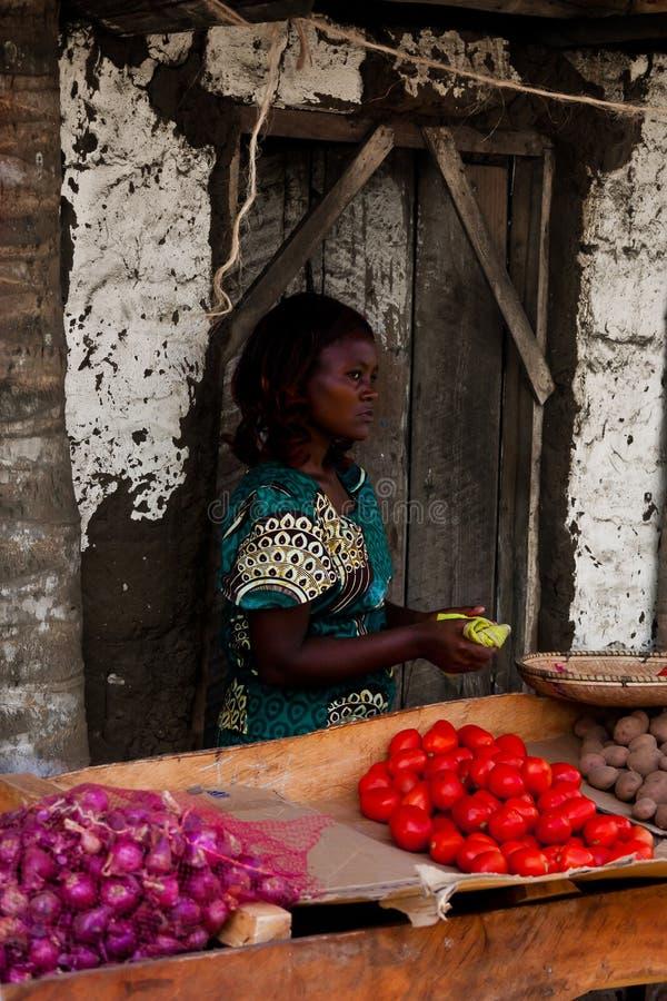 working för africa barnkenyan arkivbild