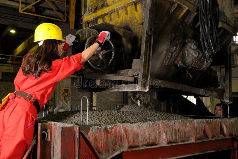 working för kvinna för byggnadsindustri arkivbilder