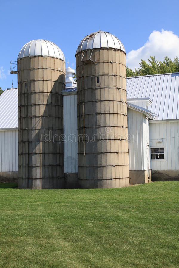 Working Farm With Twin Silos Royalty Free Stock Photos