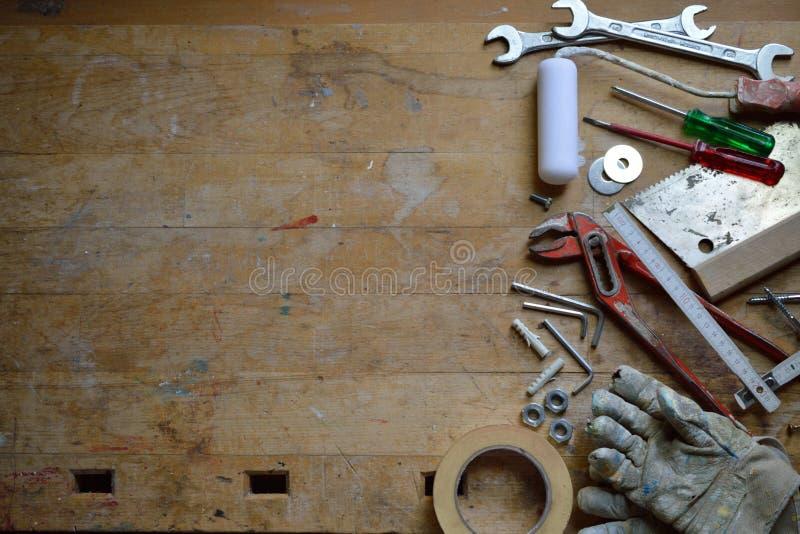 Workshop met hulpmiddelen voor manusje van alles stock foto