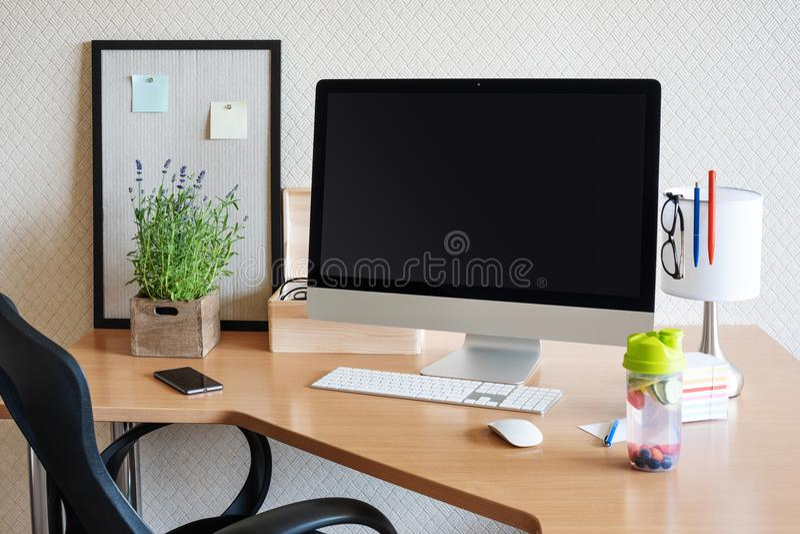 workspace z komputerem obrazy royalty free