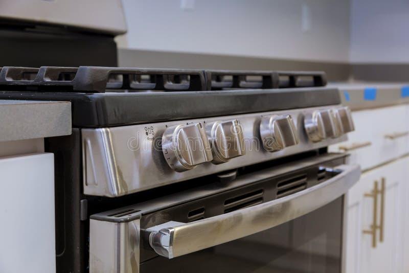 worktop blisko hob nowego domu instalacyjnej benzynowej kuchenki zdjęcia stock