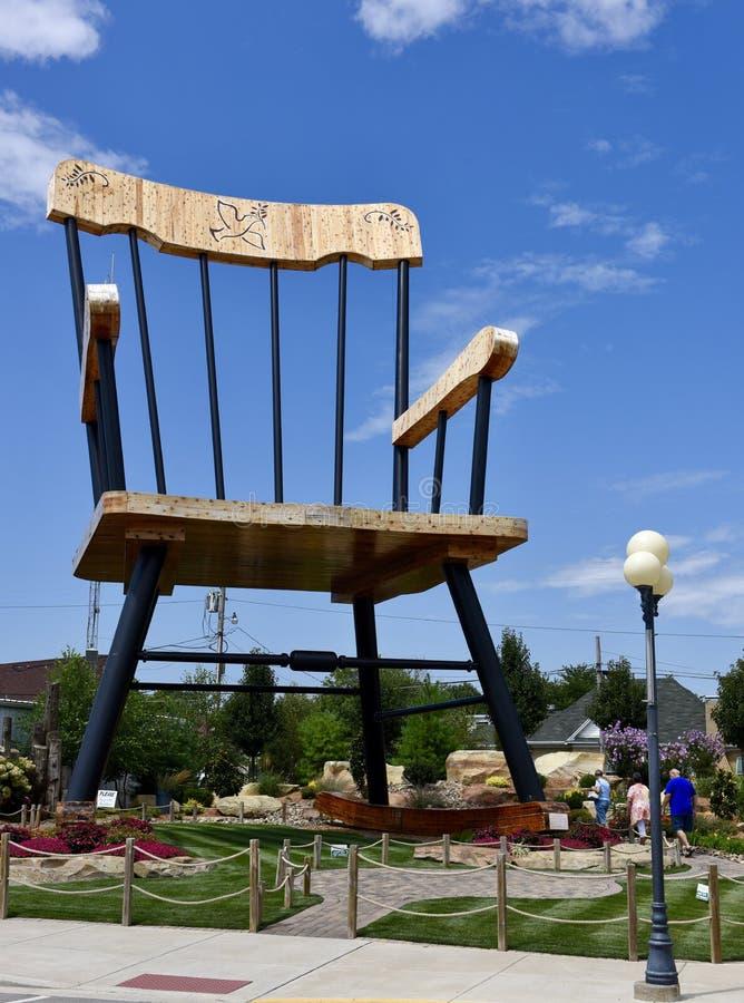 Pleasant Oak Rocking Chair In The Middle Of A Library Editorial Frankydiablos Diy Chair Ideas Frankydiabloscom