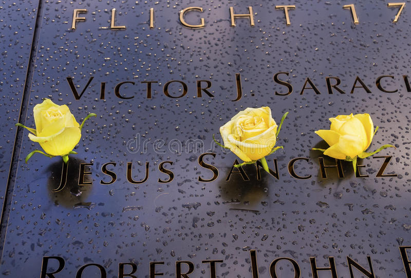 World Trade Center Jesus Names White Roses New commémoratif York NY image stock