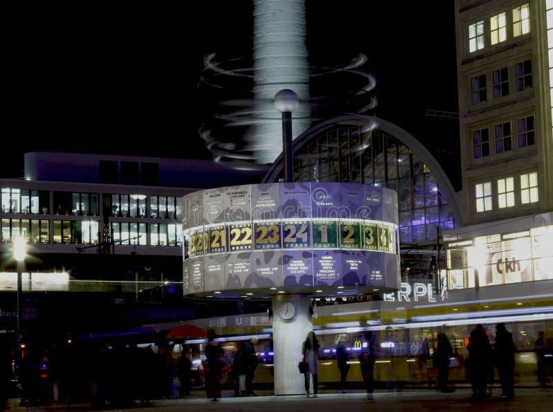 """Worldstämpelur i Alexanderplatz† royaltyfri bild"