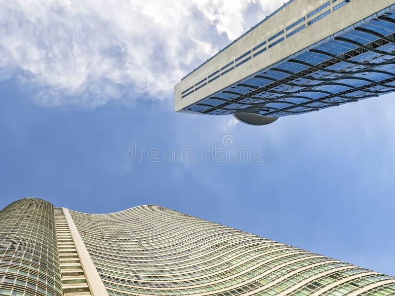 Worm& x27; s oka widok Nowożytni Miastowi budynki obrazy royalty free