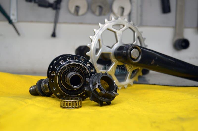 Worn-вне втулка велосипеда с спицами стоковое изображение rf