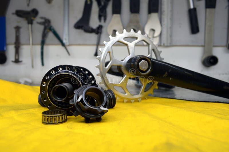 Worn-вне втулка велосипеда с спицами стоковое фото rf